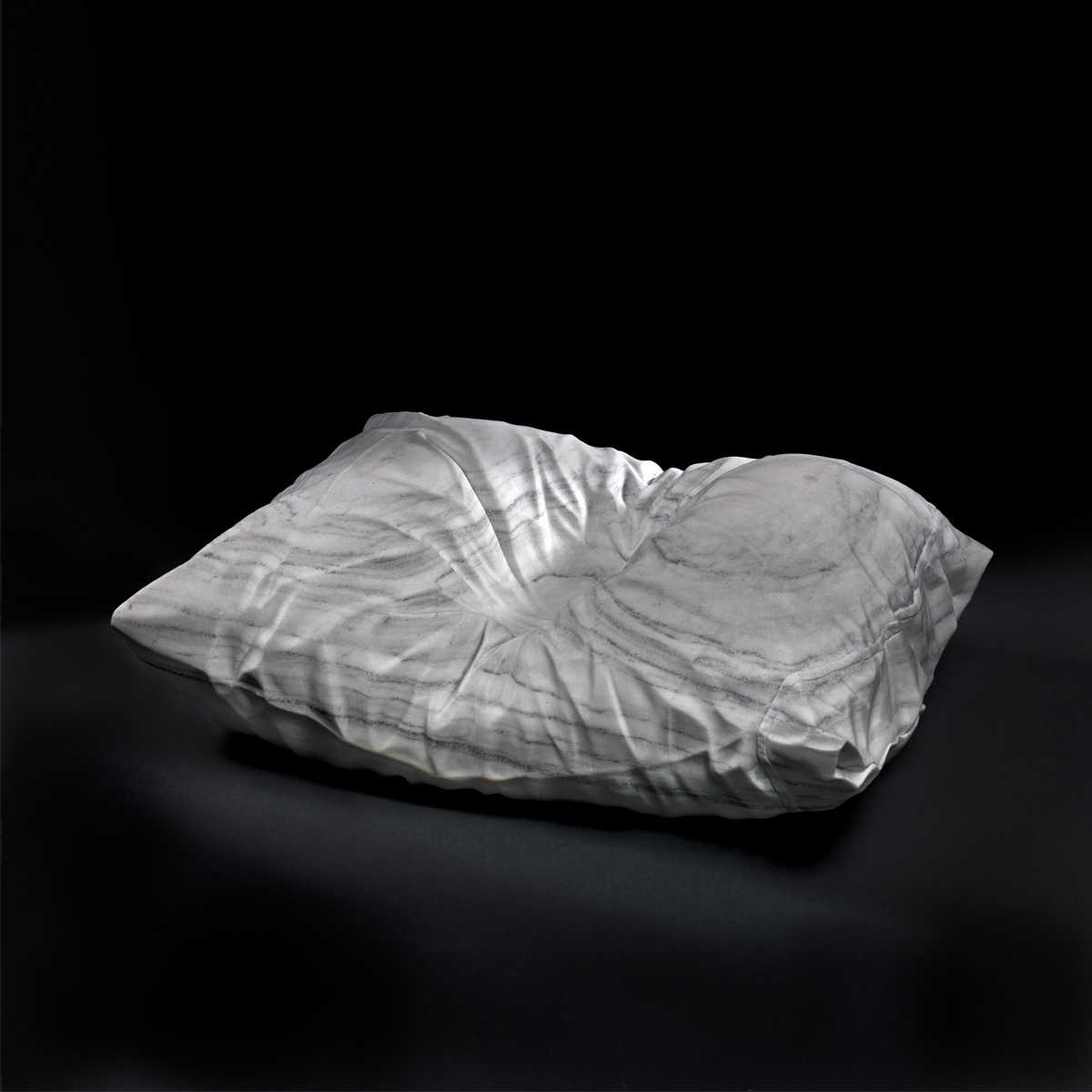 Impressions, marble, 8 x 24 x 18 in, photo courtesy of the Smithsonian American Art Museum
