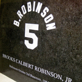 Brooks Robinson, Jr. Golden Glove Base, granite